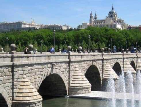 Puente de segovia madrid city tour - Centro historico de madrid ...