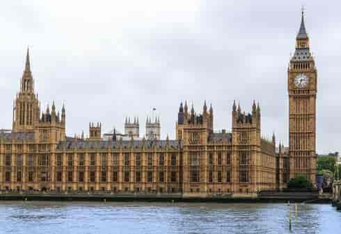 4_TOT_Yellow_Houses of Parliament-min