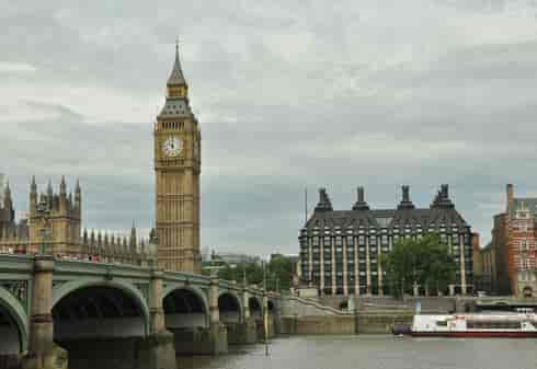 5_TOT_Yellow_Westminster Bridge-min